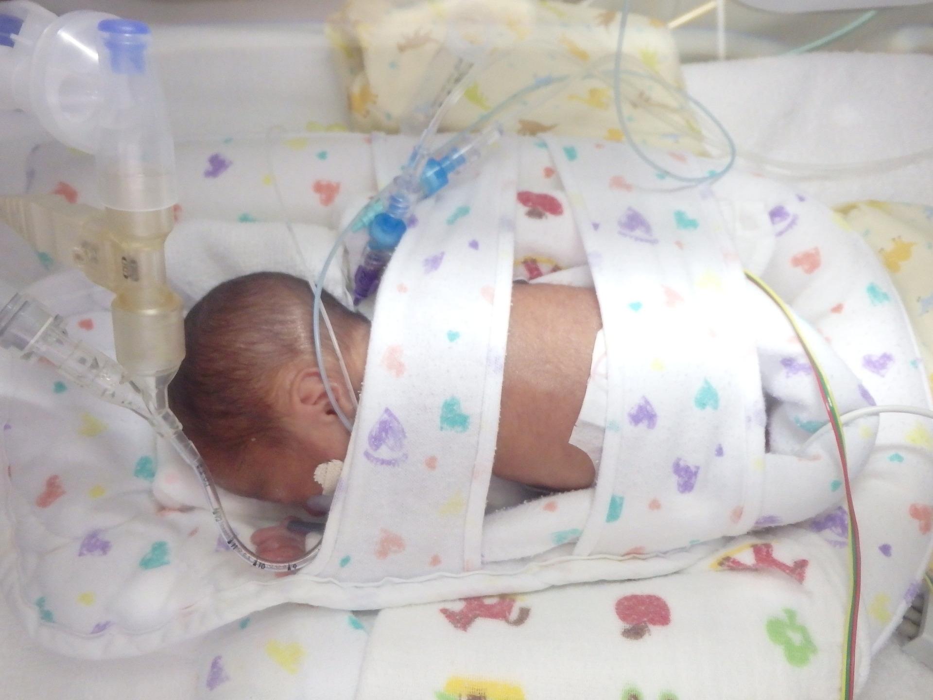 妊娠 25 週 【看護師監修】妊娠25週|胎児の体重、胎動、お腹の張りや切迫早産に...